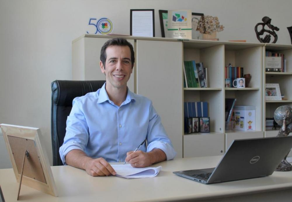 Renato Feder é apoiado por políticos e empresários para assumir o MEC. (Divulgação/Secretaria da Educação do Paraná)