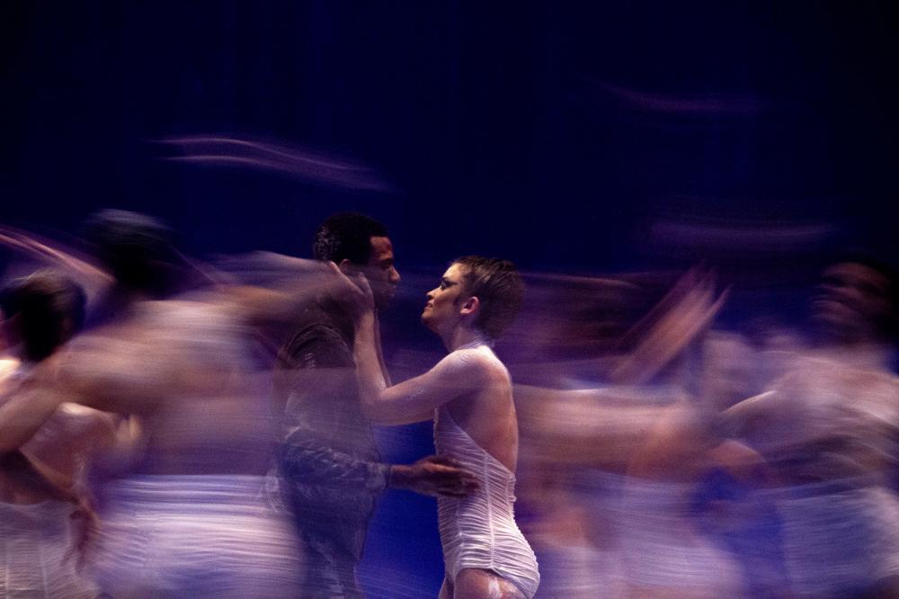 Balé Teatro Guaíra oferece oficinas virtuais de dança para crianças, jovens e melhor idade de todo o Estado