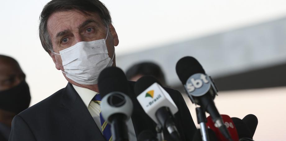 Com sintomas de Covid-19, Bolsonaro cancela agenda, diz CNN