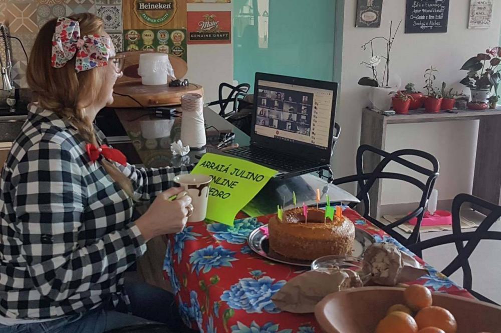 Professores promovem arraiais virtuais com os alunos