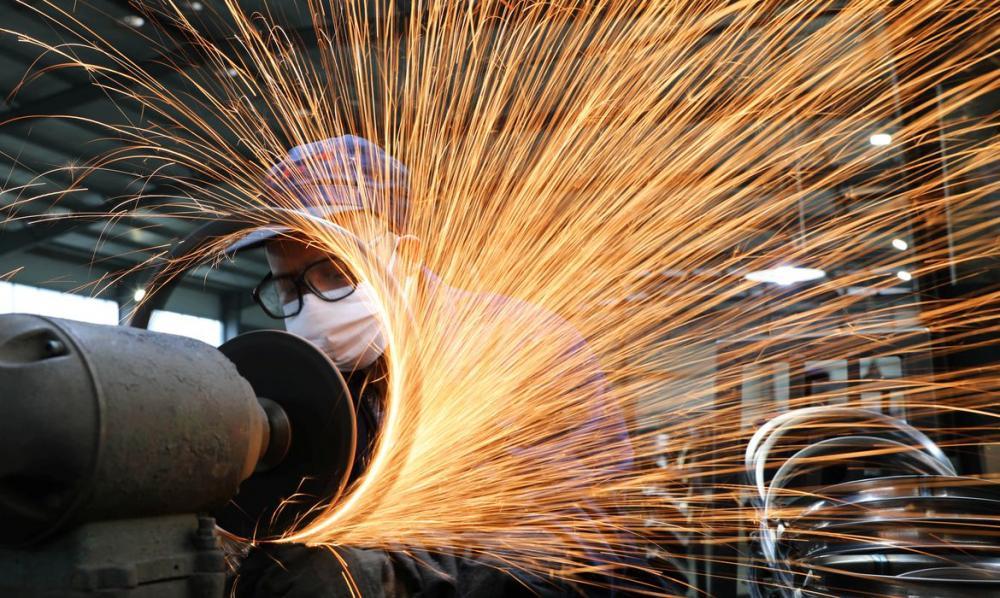 Produção industrial cresce em 12 de 15 locais pesquisados em maio