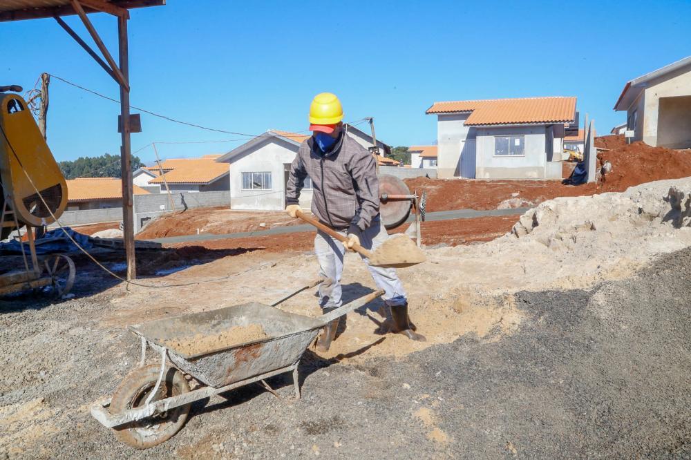 Obras da Cohapar mantêm mais de 5 mil empregos no Paraná