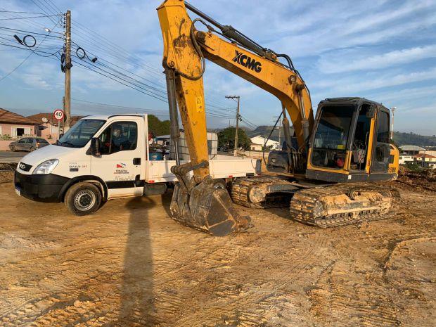 Prefeitura investe em caminhão para apoio em serviços